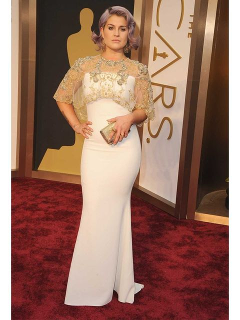 <p>Kelly Osbourne attends the Academy Awards 2014 in Badgley Mischka.</p>