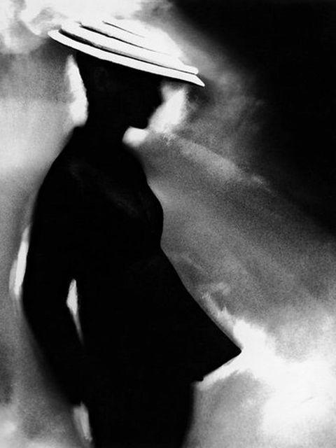 <p>Sunny Harnett modelling a Charles James tunic suit, 1955 by Lillian Bassman</p>