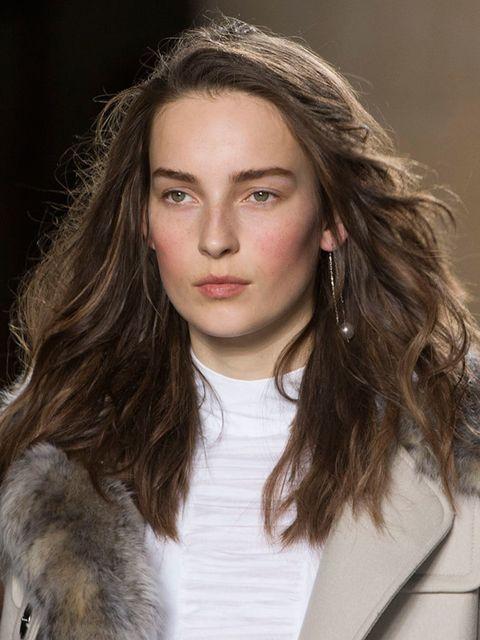 "<p><a href=""http://www.elleuk.com/catwalk/unique/autumn-winter-2015""><strong>Topshop Unique</strong></a></p>  <p>The look: Windswept mane</p>  <p>Hair stylist: Anthony Turner for L'Oréal Professionnel</p>  <p>Key products: L'Oreal Professionnel TecniART P"