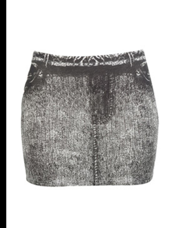"<p>Skirt, £14.99 by <a href=""http://xml.riverisland.com/flash/content.php"">River Island</a></p>"