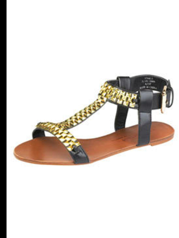"<p>Sandals, £29.99 by <a href=""http://xml.riverisland.com/flash/content.php"">River Island</a></p>"