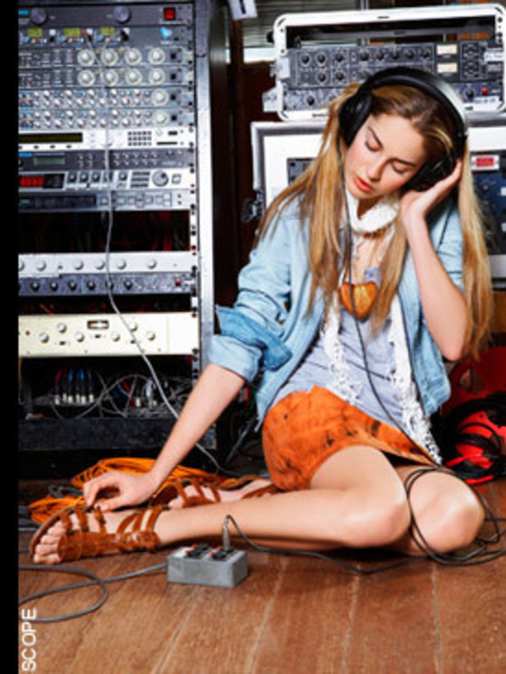 <p>With the help of DJs Dan Lywood and Ben Bridgewater, who have provided the music for Givenchy and Vivienne Westwood's catwalk shows, get the ultimate Christmas party mash-up. Hand over your iPod and they do the rest - then just plug it in and get shaki
