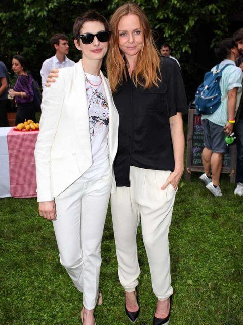 <p>Anne Hathaway and Stella McCartney</p>