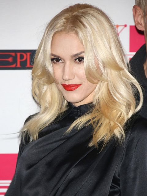 """<p><a href=""""http://www.elleuk.com/star-style/celebrity-style-files/gwen-stefani"""">Gwen Stefani</a>'s MTV European Music Awards blow-dry had a bouncy, girl-next-door look about it. To get a this style at home, Luke Hersheson advises 'get yourself a really g"""