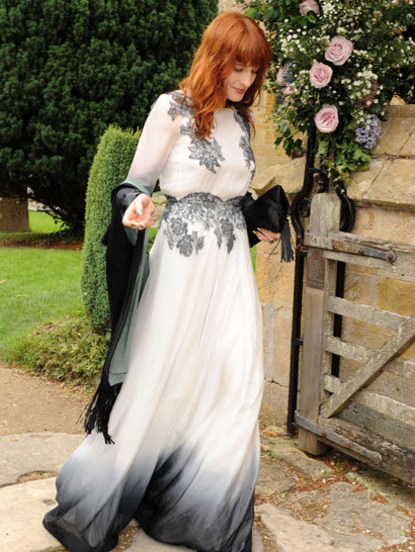<p>Florence Welch in Sophia Kah</p>