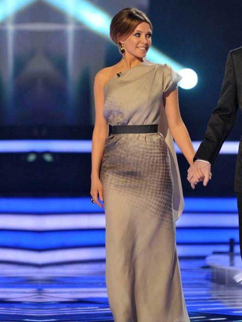"<p>Dannii Minogue in <a href=""http://www.elleuk.com/catwalk/collections/victoria-beckham/autumn-winter-2010"">Victoria Beckham AW 2010</a> on the X Factor, 16 September 2010</p>"