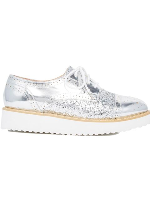 "<p><a href=""http://www.asos.com/ASOS/ASOS-MOORGATE-Brogues/Prod/pgeproduct.aspx?iid=5268957"" target=""_blank"">ASOS</a> brogues, £32</p>"