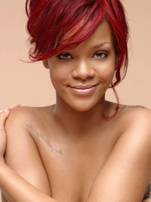 <p>Rihanna's Nivea advert</p>
