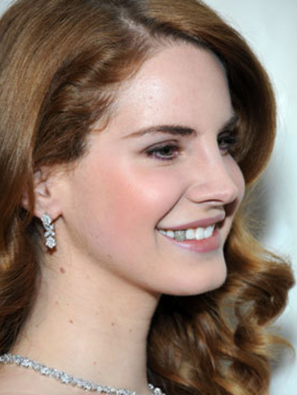 Lana Del Rey S Sparkly Smile