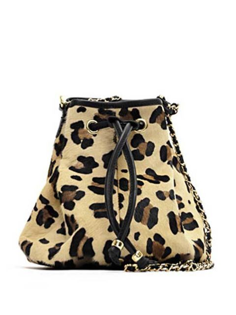 "<p>Alexa has already made this Mango bag her summer staple. Wear it with everything from denim dresses to eveningwear… <a href=""http://shop.mango.com/ficha.faces?id=46601678&state=she_006_IN"">Mango</a> leopard print bag, £89.90</p>"
