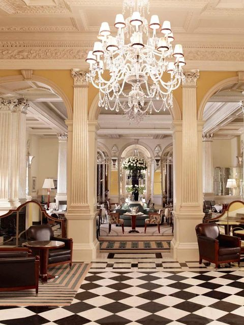 <p><strong>The Venue:</strong></p><p><strong>Claridge's</strong></p><p>It's easy to imagine F. Scott Fitzgerald's bright young things slinking through Claridge's grand Oswald Milne main entrance and perching glamorously on a Fumoir Bar stool, casually sur