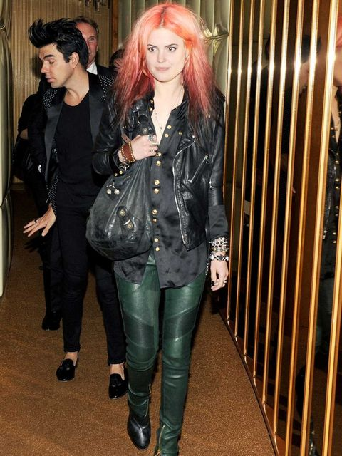 <p>Alison Mossheart wears double leather</p>