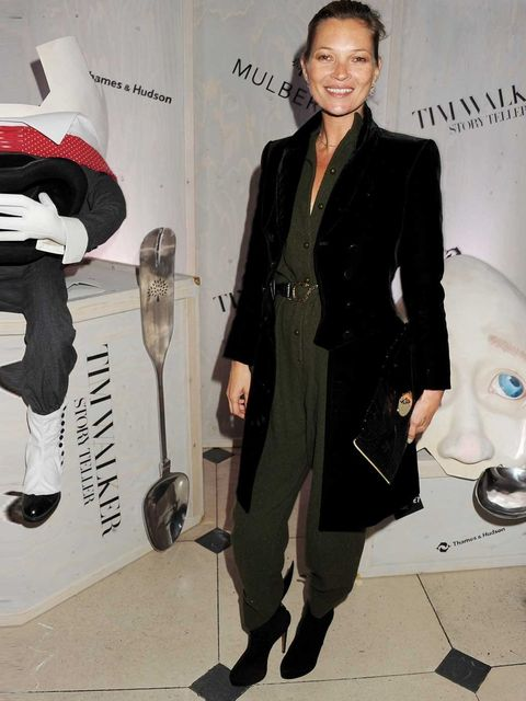 <p>Kate Moss totes a Willow clutch in black alligator from the Mulberry SS13 Collection, at the Tim Walker Story Teller exhibition opening party.</p>