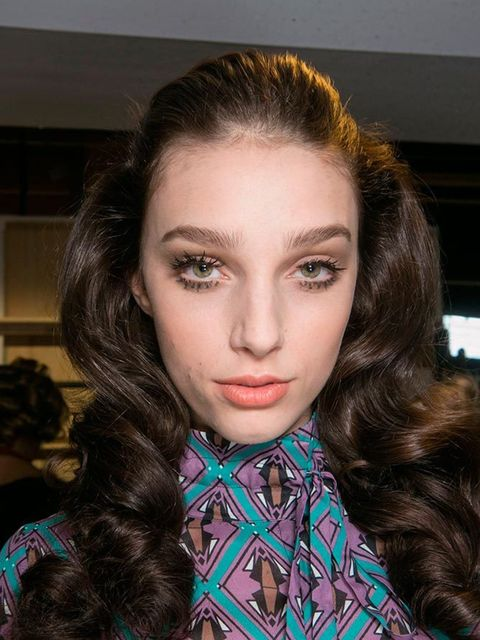 """<p><a href=""""http://www.elleuk.com/catwalk/season/spring-summer-2016/letter/l-a#designer-a"""">DAKS</a></p>  <p>The look: Luxe, glamorous, gorgeous bouncy curls.</p>  <p>Hair Stylist: Neil Moodie</p>  <p>Key product: Windle & Moodie Foundation Spray</p>"""