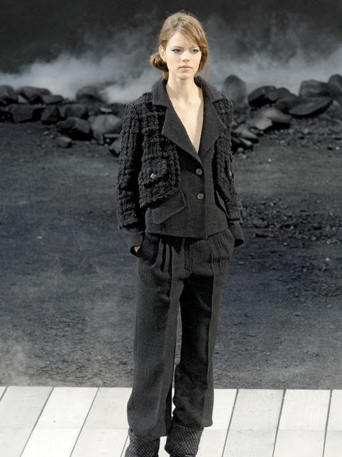 <p>BOY MEETS GIRLWhen even the Chanel catwalk is filled with androgynous shapes and (we never thought we'd say it) flat, workmen's boots, the fashion crowd is bound to take notice. So stock up on mannish pieces, raid your boyfriend's wardrobe and embrace