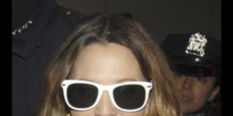 1325880225-everyone-s-wearing-coloured-sunglasses