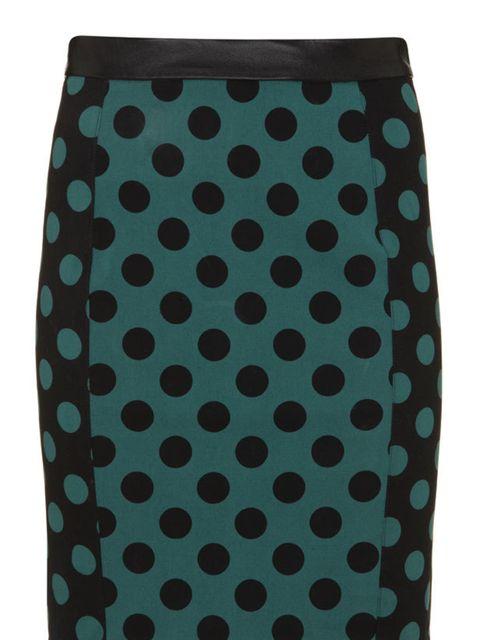 "<p><a href=""http://www.topshop.com/webapp/wcs/stores/servlet/TopCategoriesDisplay?storeId=12556&catalogId=33057"">Topshop</a> polka dot pencil skirt, £40</p>"