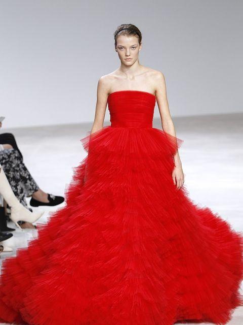 "<p>Giambattista Valli</p><p><strong><a href=""http://www.elleuk.com/fashion/trends/giambattista-valli-couture-spring-summer-2016"" target=""_blank"">SEE THE FULL GIAMBATTISTA VALLI SHOW</a></strong></p>"