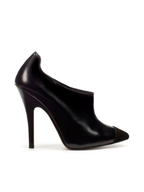 "<p><a href=""http://www.zara.com/webapp/wcs/stores/servlet/product/uk/en/zara-W2011/118149/508047/TWO%2BTONE%2BLEATHER%2BANKLE%2BBOOT"">Zara</a> two tone ankle bootie, £59.99</p>"