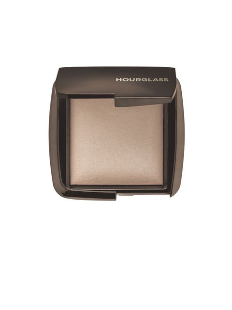 <p>This powder has a soft sheen that will highlight your comeplexion thanks to the pale light-reflecting particles it imparts on the skin. Find the point of your cheekbone with your finger (it's in the middle of the puffiest part of your cheek). From here