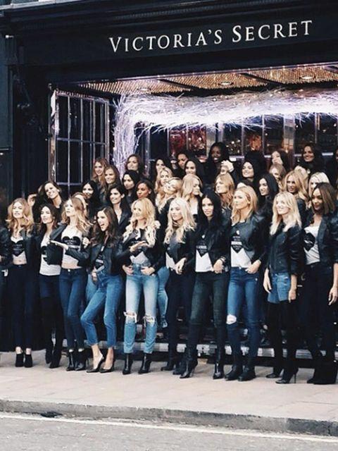 Karlie Kloss @karlieklossThe @VictoriasSecret Angels have landed at the New Bond Street store  #regram from @tommyton
