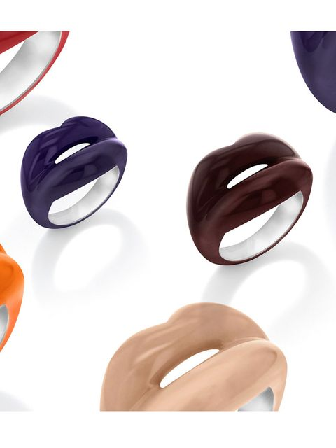 <p>Solange Azagury-Partridge / Amazon Fashion</p>  <p>Fine jewellery designerSolange Azagury-Partridge has teamed up with Amazon to launch her revived 'Hot Lips' rings. The 'Hot Lips' collection first launched in 1995 have been spied on the likes of Sca