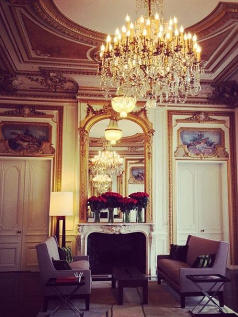 <p>Valentino (@maisonvalentino)'An air of quiet excitement descends at Place Vendome as the countdown to Maison Valentino SS 2014 show begins. Watch live from Paris October 1st, 2.30 PM CET #PFW live.valentino.com'</p>