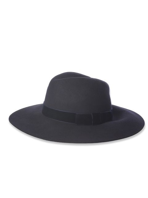 "<p>French Connection Navy Fedora, £40</p><p><a href=""http://shopping.elleuk.com/browse?fts=french+connection+fedora"">BUY NOW</a></p>"