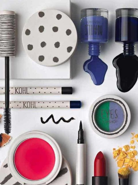 <p>Topshop has long been synonymous with the British High Street.  We were eager for a make-up range from Topshop for as long as I can remember so it was hugely exciting when its range finally went on sale in May 2010.  At just a year old it is now hard t