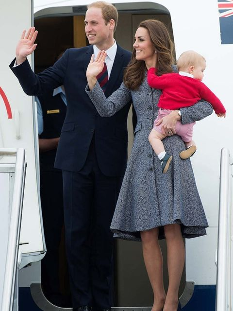 <p>Kate, William and George wave goodbye as they depart Australia to fly home to the UK.</p>