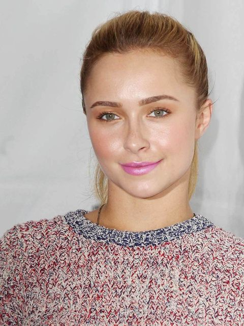 "<p><strong><a href=""http://www.elleuk.com/star-style/celebrity-style-files/hayden-panettiere"">Hayden Panettiere</a></strong></p><p>A dusting of peachy eye shadow, a few slicks of mascara and a cerise glossy lip make for a great holiday day-look. </p>"