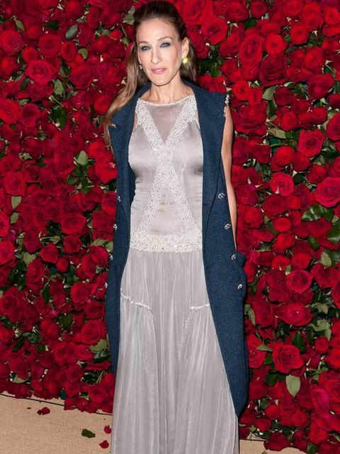 "<p><a href=""http://www.elleuk.com/starstyle/style-files/(section)/Sarah-Jessica-Parker"">Sarah Jessica Parker</a> in a pale lilac gown at the Museum of Modern Art's 4th Annual Film benefit 'A Tribute to Pedro Almodovar' in New York, 15 November 2011</p>"