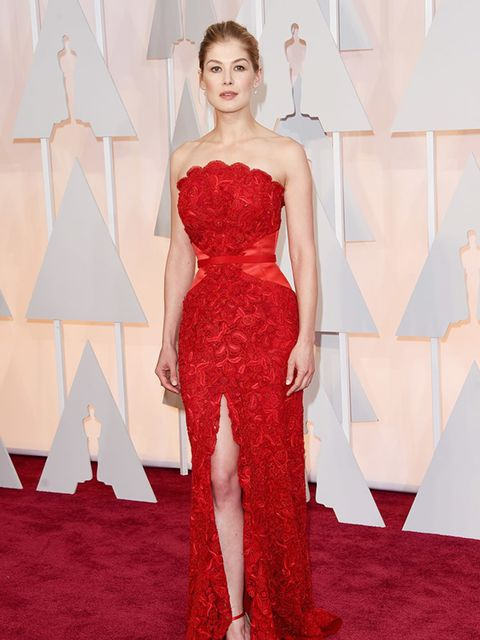 <p><strong>RED</strong></p>  <p>Rosamund Pike wears custom Givenchy Couture by Riccardo Tisci to attend the 2015 Academy Awards in LA</p>