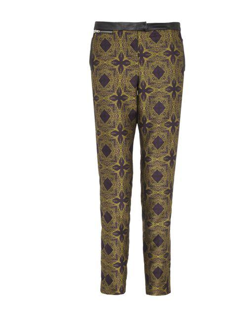 "<p><a href=""http://www.riverisland.com/Online/women/trousers--leggings?startindex=1&amp&#x3B;itemsperpage=197&amp&#x3B;sortoptions=0&amp&#x3B;category=8d9fd6df-9ab1-4140-9b29-bcf7491bf11b&amp&#x3B;categoryname=trousers+%2F+leggings&amp&#x3B;includerelatedcontent=0"">River Island</"