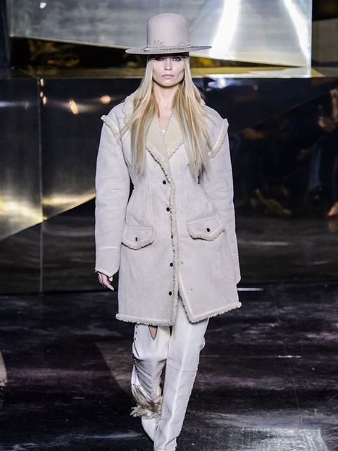 h_m_aw16_look_01
