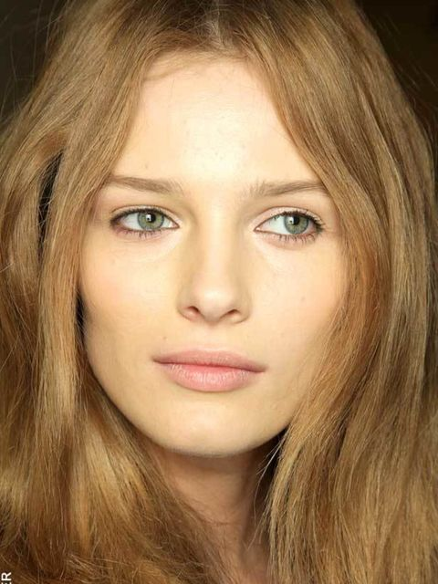 "<p><a href=""http://www.elleuk.com/beauty/Make-up-Skin/make-up-features/%28offset%29/6"">See the five products you need to get cashmere skin...</a></p>"