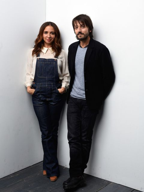 Actress Maya Rudolph posing for portraits at the Wireimage portrait studio looks fresh and feminine.