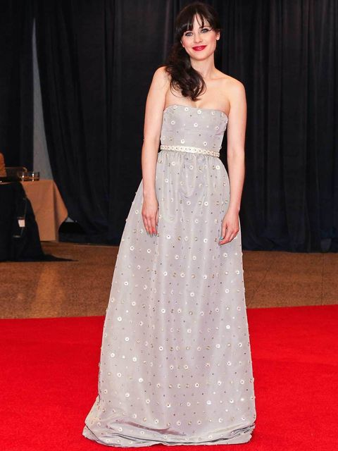 <p>Zooey Deschanel wears Oscar De La Renta to the annual White House Correspondents' Assosciation Dinner in Washington, April 2012.</p>