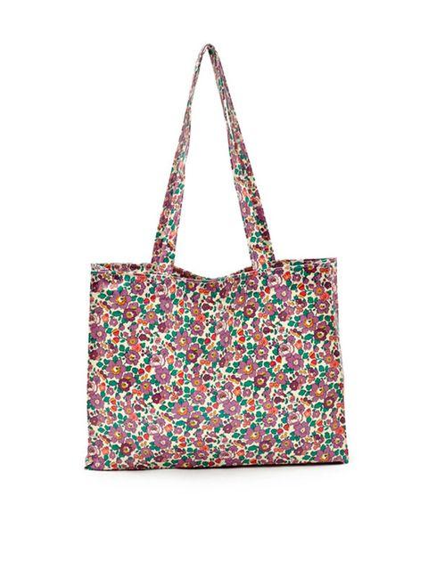 "<p><a href=""http://www.liberty.co.uk/fcp/product/Liberty//Betsy-Liberty-Print-Shopper-Bag/107310"" target=""_blank"">Liberty</a> bag, &pound&#x3B;26.95</p>"