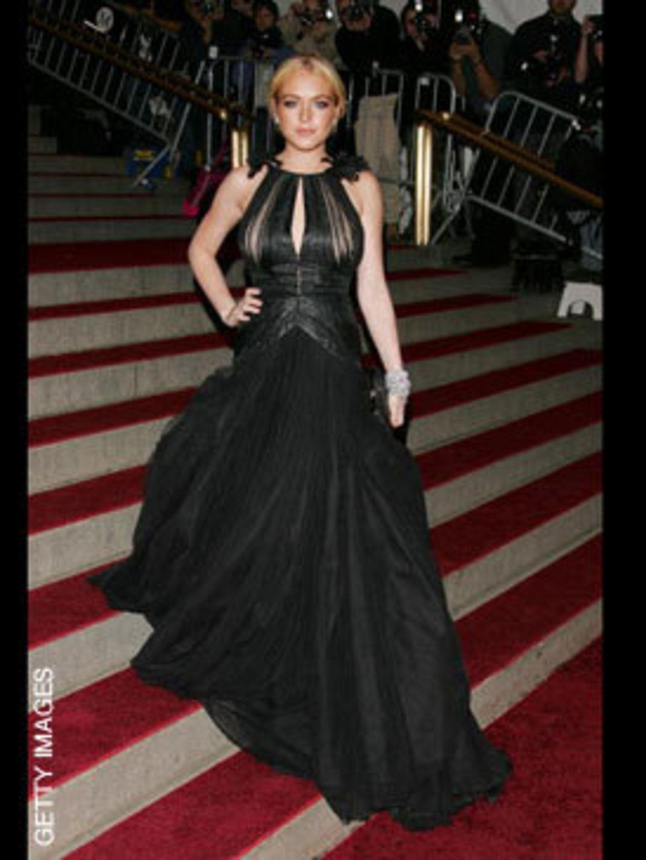 <p>Lindsay Lohan in Bally</p>