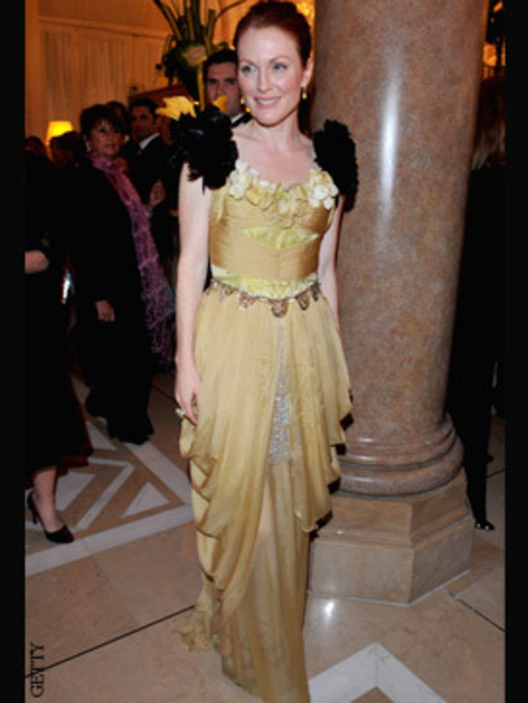 <p>Julianne Moore in a Christian Lacroix gown and Chopard jewels</p>