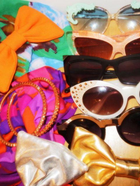 <p>Gemma's box of jungle accessories.</p>