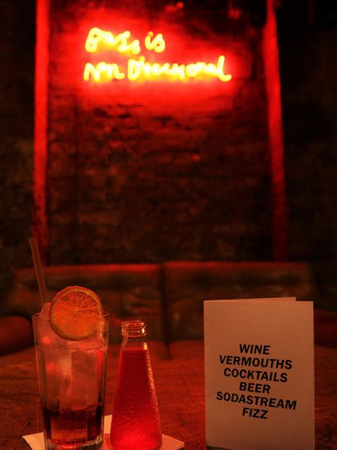 <p>DATING: Date Lab at Coin Laundry</p>  <p>We're not scientists, neither are we matchmakers. But we DO know that for either one, getting a 90% success rate is pretty darned conclusive. And 90% was just the success rate achieved by the first Date Lab spee