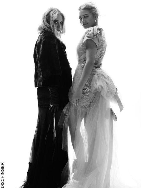 <p>Mary-Kate and Ashley Olsen </p>