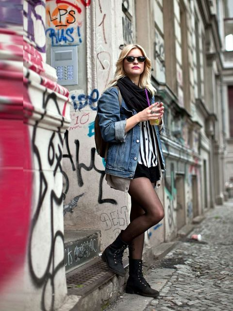 <p>Susi is wearing a shirt from Buffalo Exchange with a Levis jacket and Ray Ban sunglasses.</p>