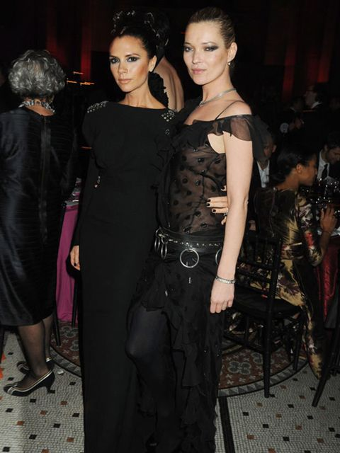 <p>Victoria Beckham wearing one of her designs &amp&#x3B; Kate Moss wearing Chrsitian Dior </p>