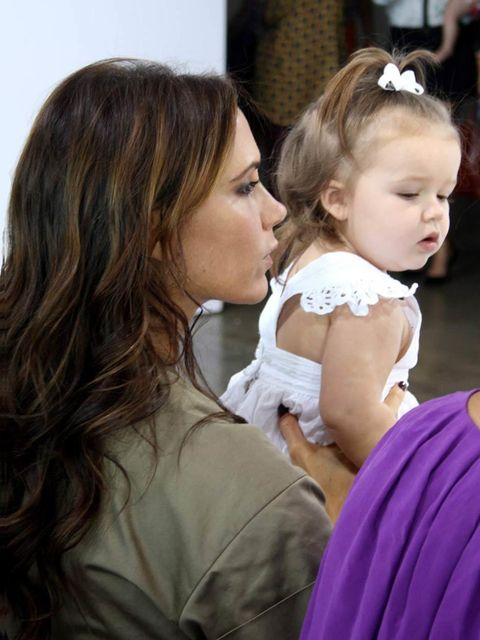 <p>Harper and Victoria Beckham</p>