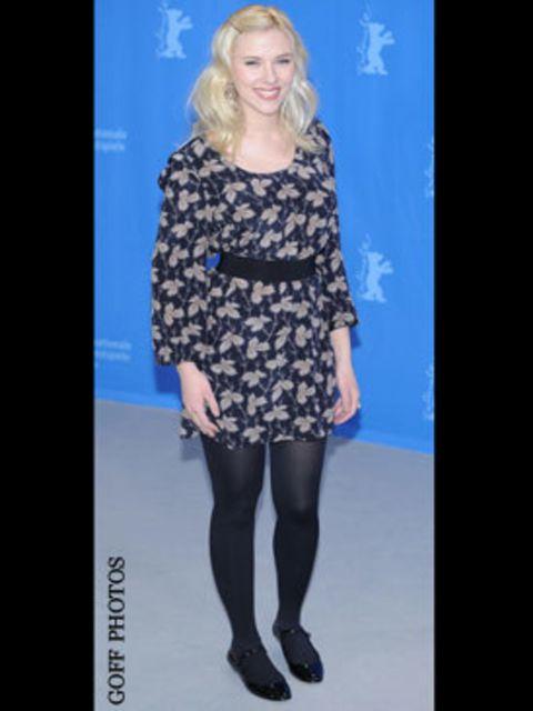 <p>Scarlett blooms in Stella McCartney</p>