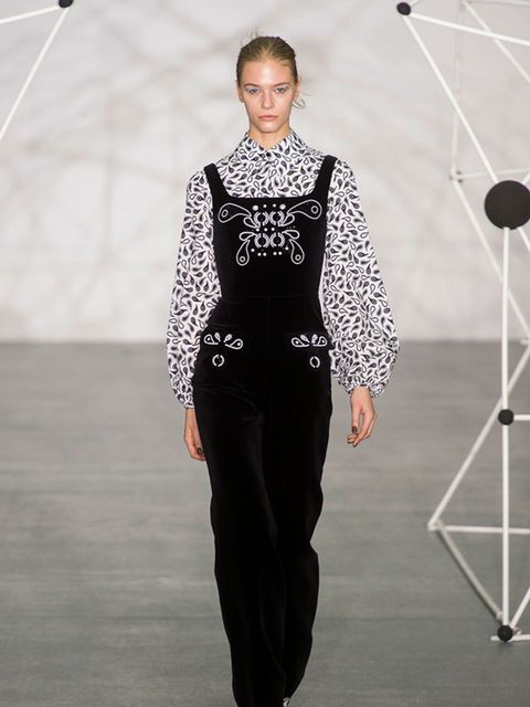 holly_fulton_autumn_winter_2016_look_01