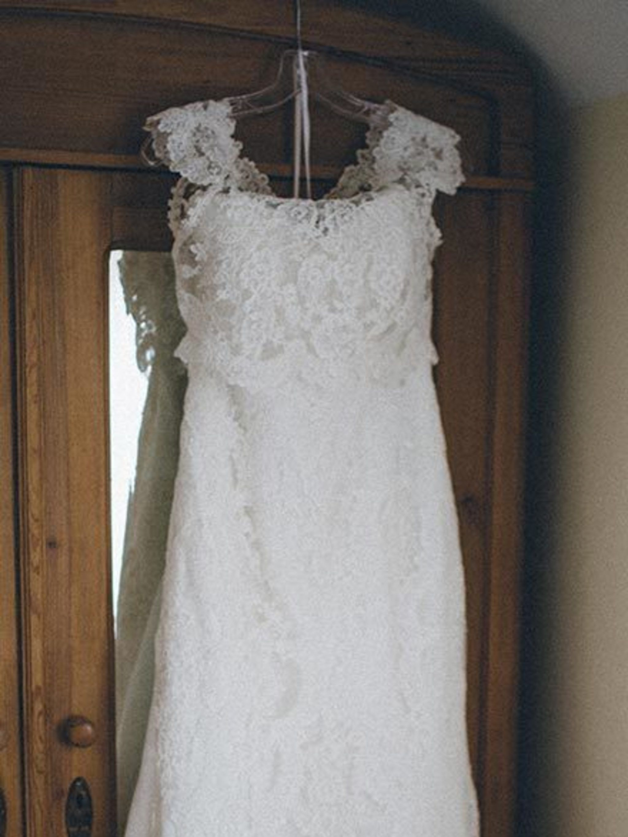 "<p>After some searching I found my wedding dress in a beautiful bridal boutique in rural Shropshire, <a href=""http://www.shropshirebrides.co.uk/"" target=""_blank"">Shropshire Country Brides</a>.</p>"
